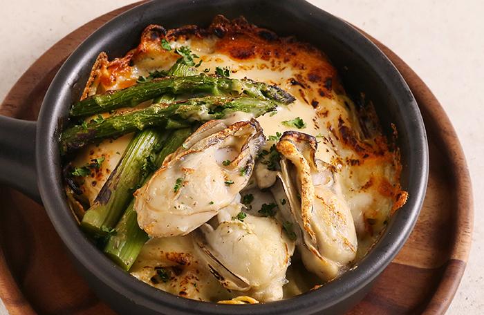 牡蠣とアスパラのグラタン
