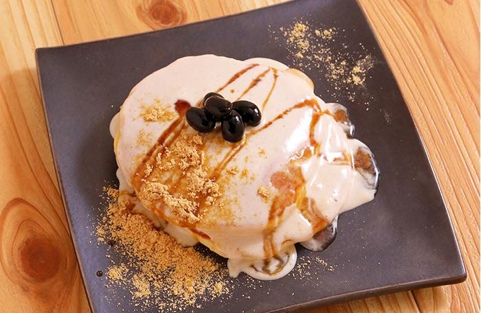 黒豆ときな粉クリームパンケーキ