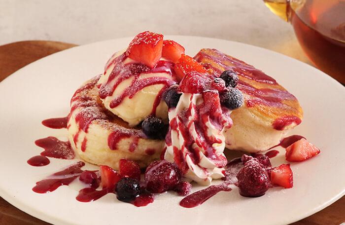 苺とホワイトチョコのパンケーキ