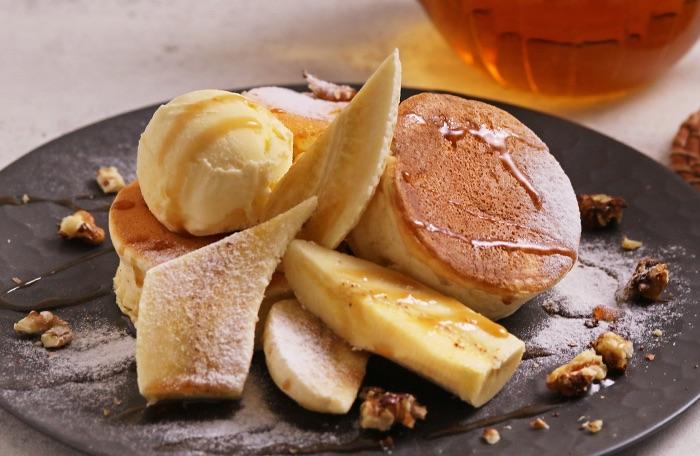 キャラメルバナナの米粉パンケーキ