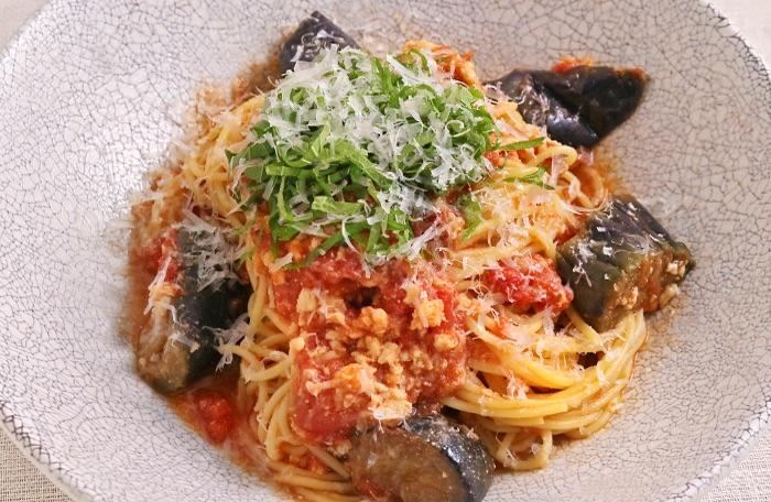 鶏そぼろと茄子の味噌トマト