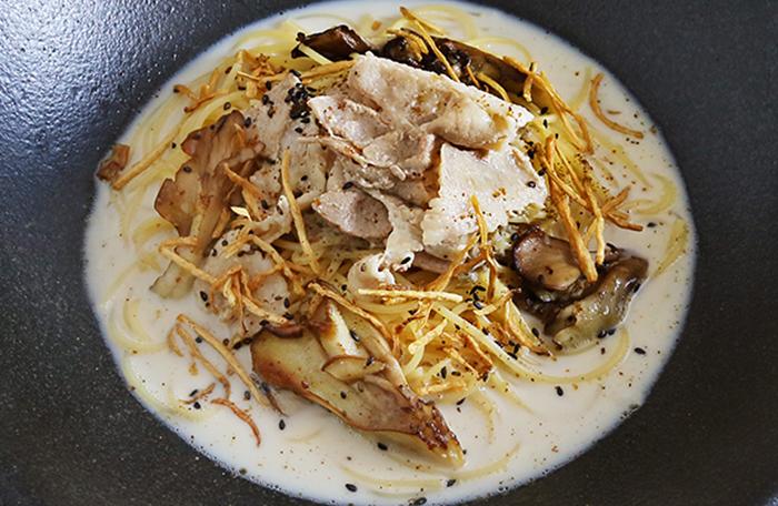 豚肉と舞茸のごぼう豆乳クリーム