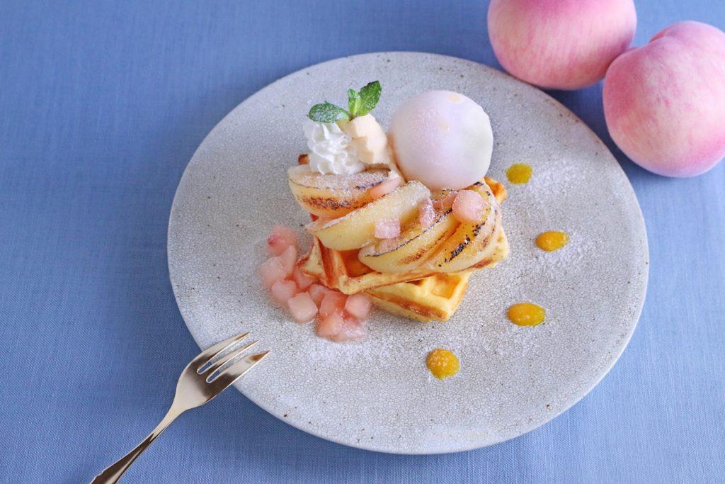 桃と白桃シャーベットのワッフル