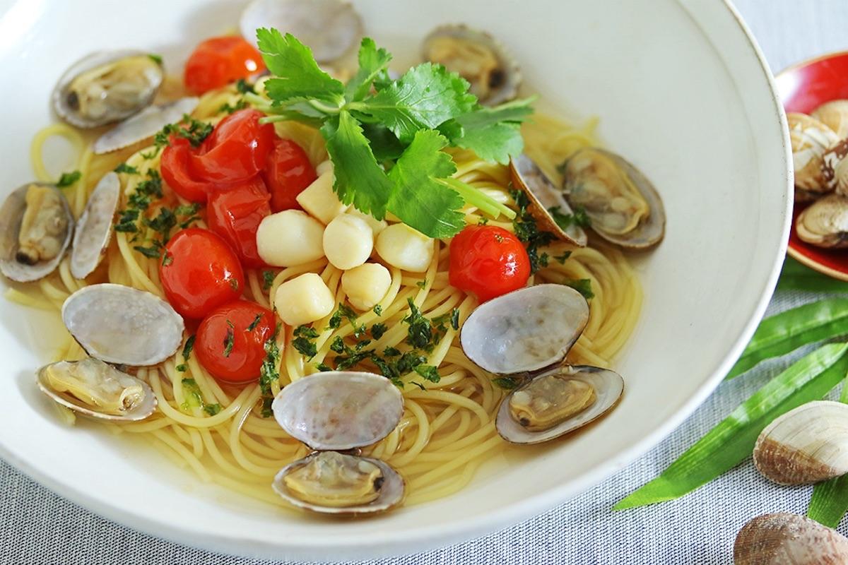 こななの初夏限定パスタ「あさりとトマトの貝だしボンゴレ」