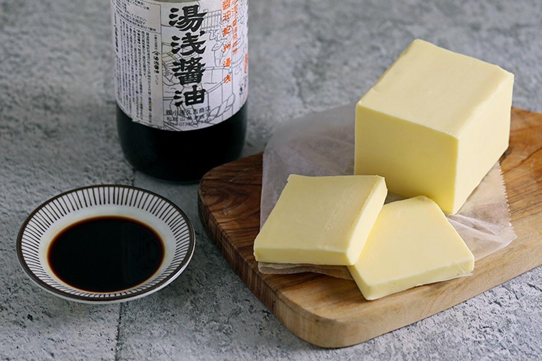 秋限定、バター醤油の香ばしパスタ